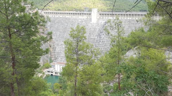 Arapapıstı Canyon (dam)